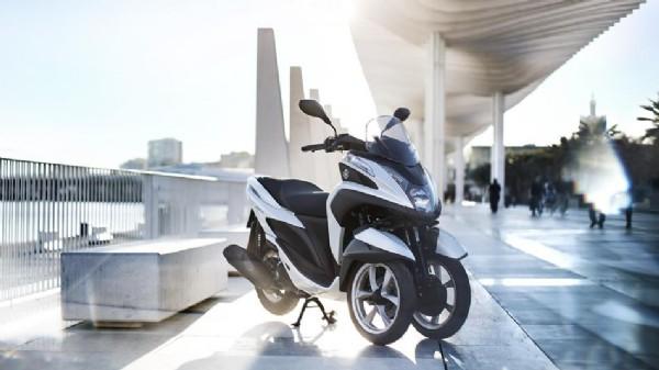 Nouveauté 2015 : Tricity, le scooter trois roues !